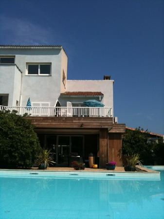 Levolle Marine Hotel Et Residence : hotel e piscina