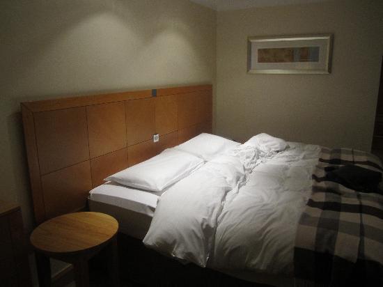 O'Callaghan Alexander Hotel : Room.