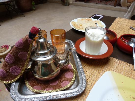 Riad Dar Zahia : breakfast