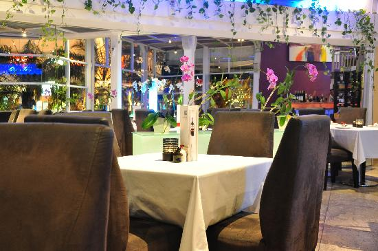 Ifiori: Romantic dining...