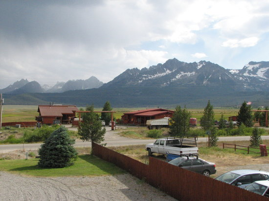 Valley Creek Lodge: View from the front balcony