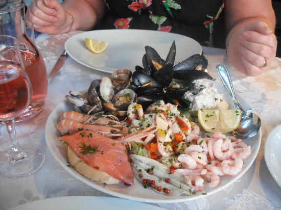 Hotel & Aparthotel Sheila: Sea Food Starter yum yum