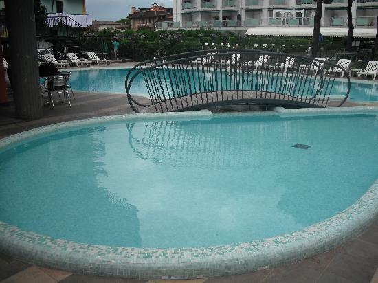 Hotel & Aparthotel Sheila: Hotel Pool