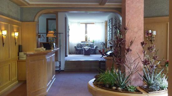 Hotel-Pension Cafe Schacher : lobby and sitting area