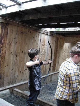Pinegrove Family Dude Ranch: Archery