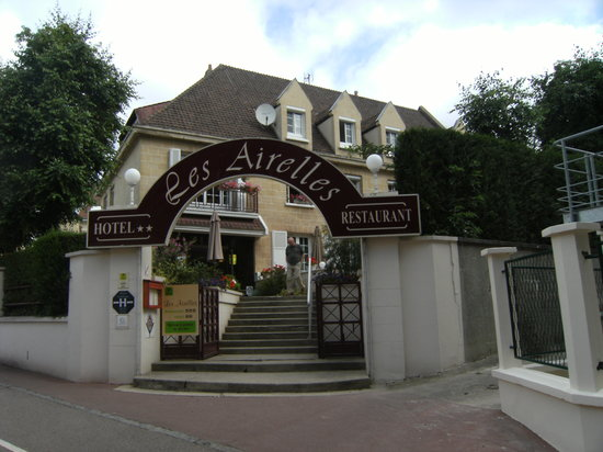 Neufchatel en Bray, Франция: Entrance to the hotel