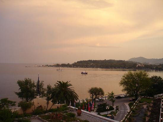 Corfu Palace Hotel : Blick vom Balkon  II