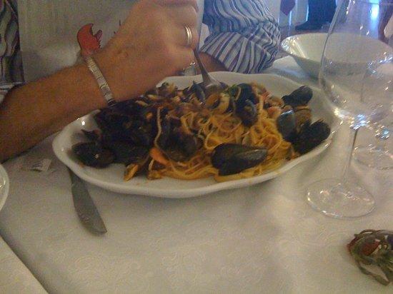 Tresigallo, Italien: porzione enorme