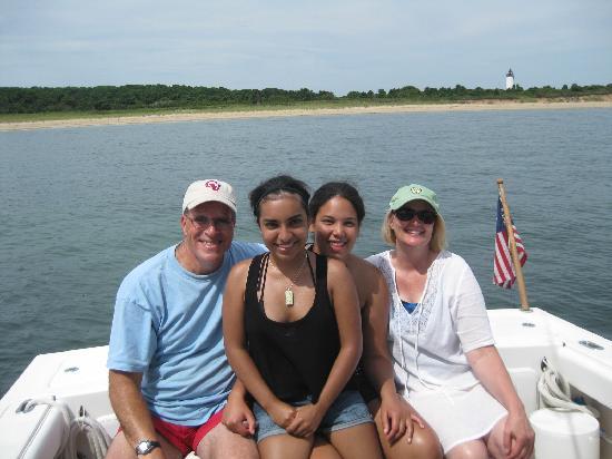 Plan Sea Adventures Boat Charters: Family Fun!