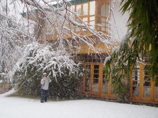 Hotel & Spa Termas Cacheuta: Fondo con bob window de los cuartos