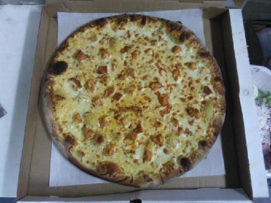 Franco's Pizza & Pub: Buffalo Chicken Pizza