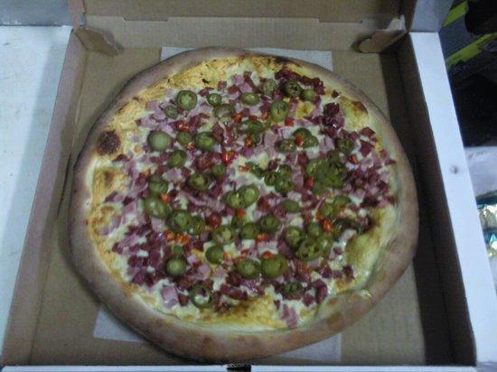 Franco's Pizza & Pub: Hitman Pizza