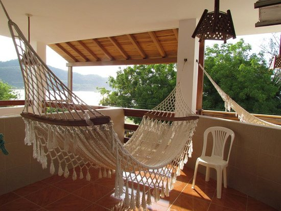 Hotel Pacifico: VIew of the balcony with the hammock.