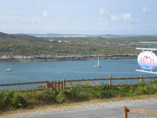 Clifden Bay Lodge: vue de la maison, la white Ladie