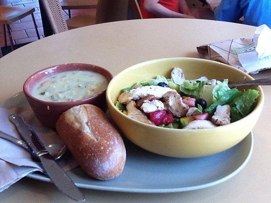 Panera Bread: Strawberry Poppyseed Salad w/ Wild Rice Soup!