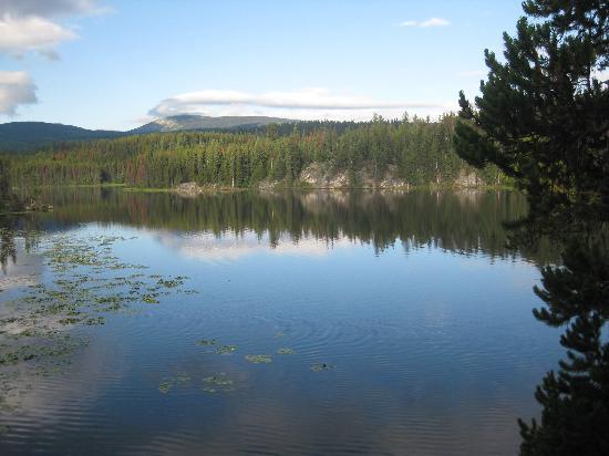 Idabel Lake Resort: calm waters