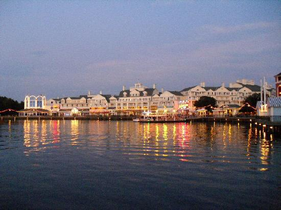 Disney's BoardWalk Inn: Boardwalk Inn Lights