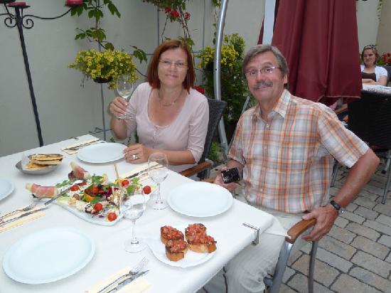 Kleehof in der Gärtnerstadt: Genüsslich speisen im idyllischen Innenhof
