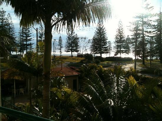 Beachcomber Resort : View from balcony facing the ocean