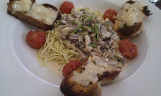 Riverside Restaurant : Pasta