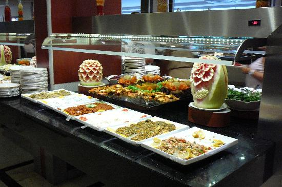 Riviera Hotel: Evening buffet