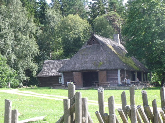 Traveller Tours : Traditional Estonian House