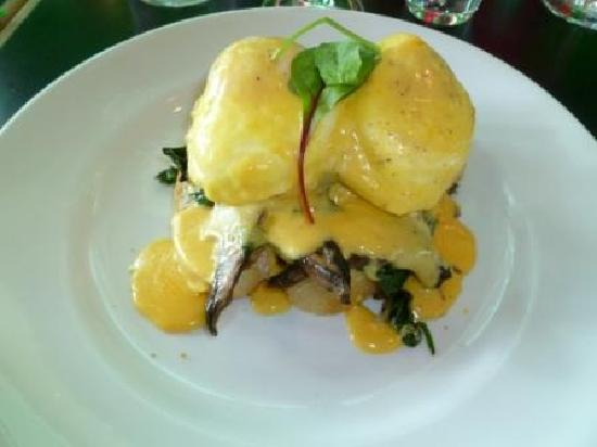 Arborio Restaurant, Cafe & Bar: Eggs benedict