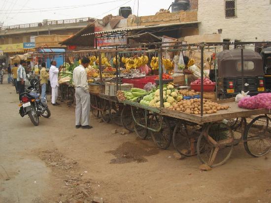 Gandhi Chowk Street: Local market off the main street