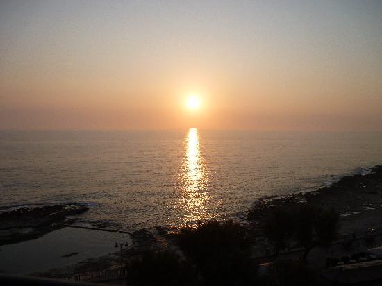 Marhaba Royal Salem: sunrise room 525