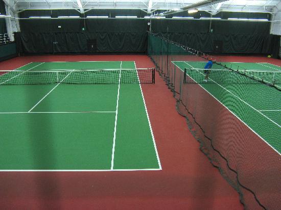 Hotel Bellevue : indoor tennis