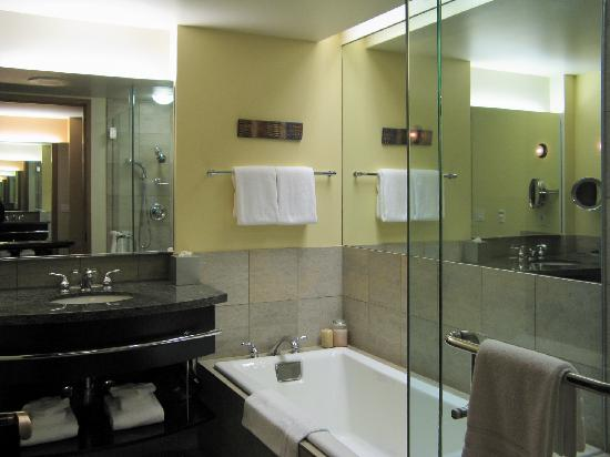 Hotel Bellevue: bathroom