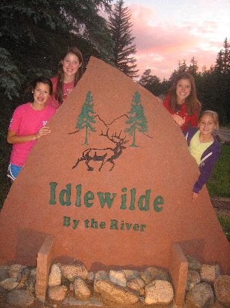 "Idlewilde by the River : ""home away from home"""