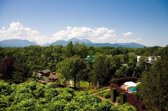 Genussdorf Gmachl - Hotel & Spa: Blick aus dem Zimmer