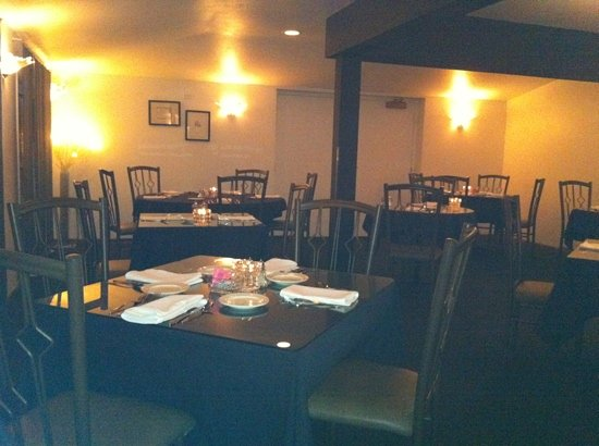 Suzanne's Fine Dining: Diningroom