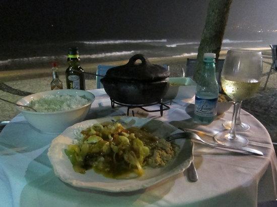 Azul Marinho: restaurant on the beach