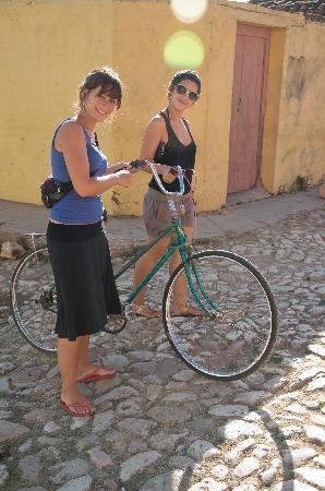 Casa de Miriam: Foto con Rosi!! Recorriendo juntas y conociendo Trinidad!