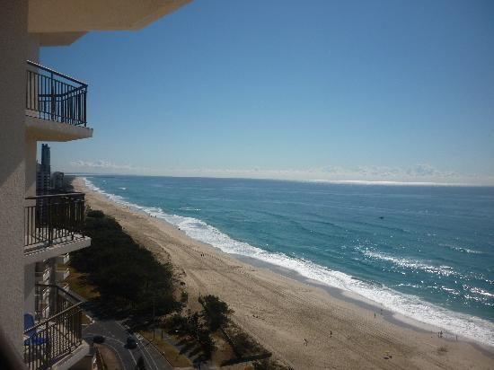 Hi Surf Beachfront Resort Apartments: Beautiful view from our balcony