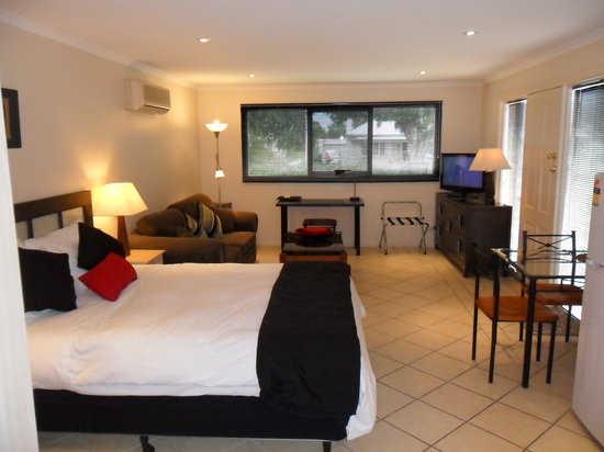 Verner Place : lounge/bedroom