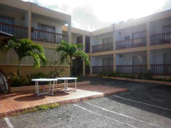 Carib Blue Apartment Hotel: the building