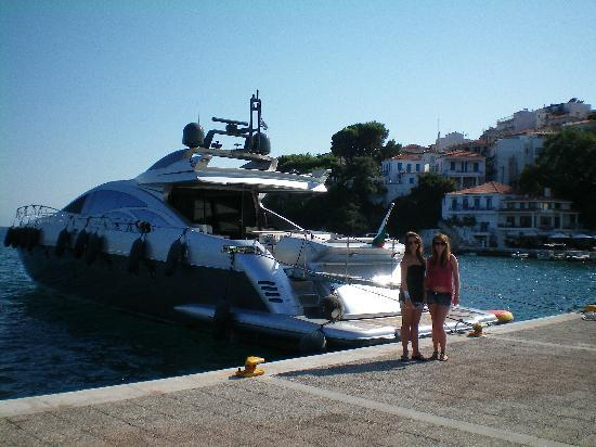 Filia Studios & Apartments: hired a boat for the day but not this one !