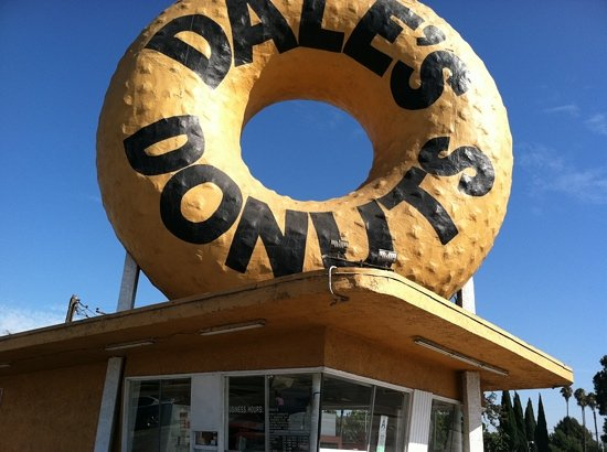 Dale's Donuts: Architectural Icon in Compton!