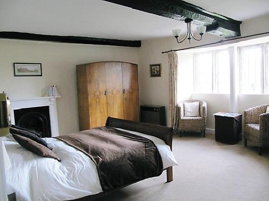 Seymours Court bedroom