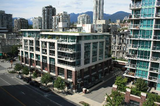 Pinnacle Hotel At The Pier: View of Grouse Mountain Nth Vanc