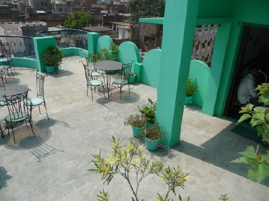 Sandhya Guest House : rooftop  restaurant