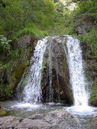 Province of Brescia, Italia: Wasserfall in Tremosine