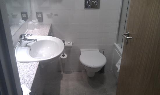 Burleigh Court : Bathroom