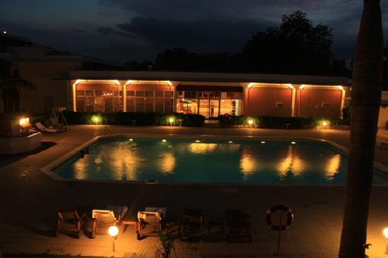 Hotel Chandela The Pool And