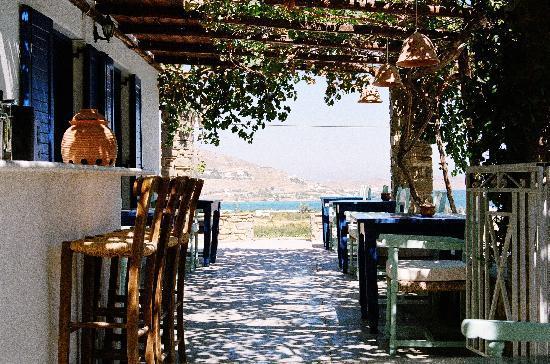 Petres: Terrasse du petit déjeuner