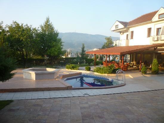 Vergina: Garden in the morning