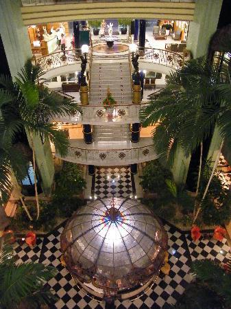 Jardines de Nivaria - Adrian Hoteles : Spacious main building atrium